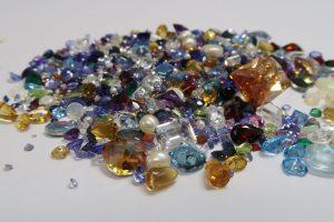 Dove comprare pietre per creare gioielli