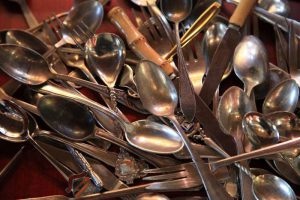Come pulire argenteria da tavola e posate